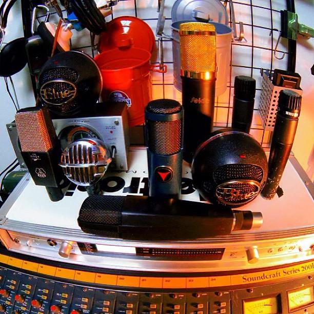 mics00.jpg